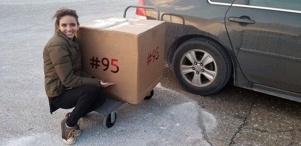 «Тайный Санта» Билл Гейтс сделал подарки на 37 килограммов (5 фото)