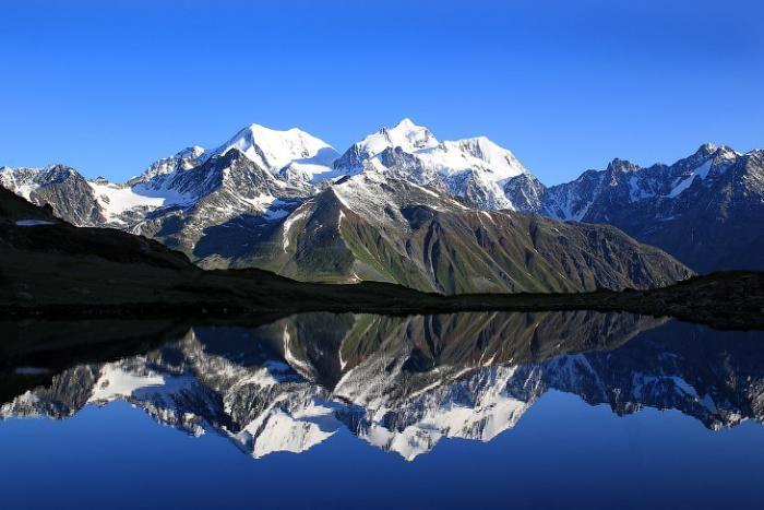 Символ Алтая и самая высокая гора Алтая и Сибири (26 фото)
