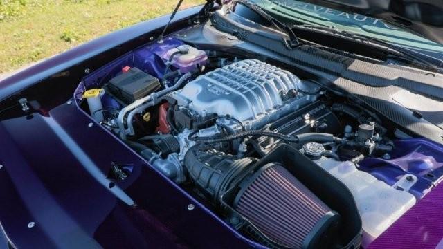 Dodge Challenger Hellcat в кузове из углеродного волокна (19 фото)