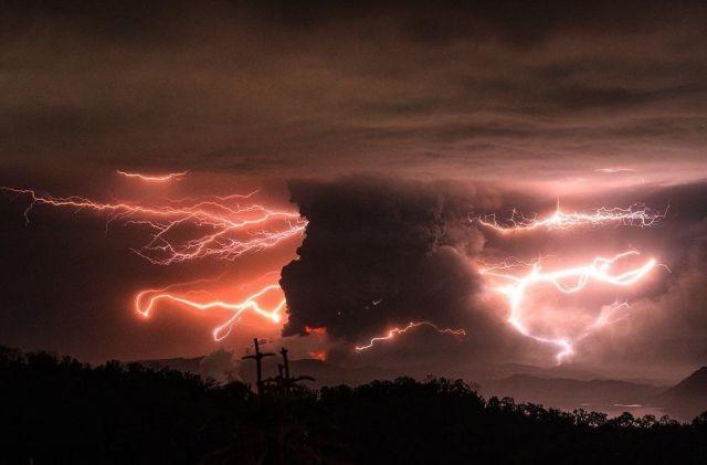 Извержение вулкана Тааль на Филиппинах (9 фото)