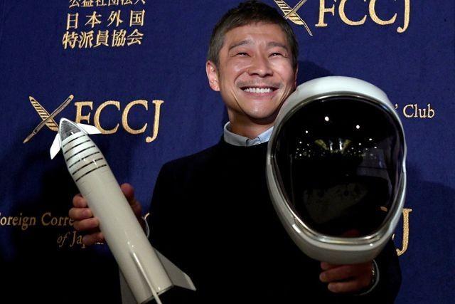 Миллиардер Юсаку Маэдзава ищет подругу для полета на Луну (2 фото)