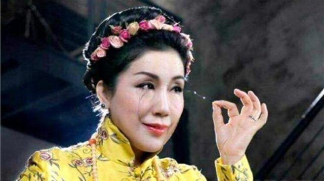 Ю Цзянься - китаянка попала в Книгу рекордов Гиннесса (5 фото)
