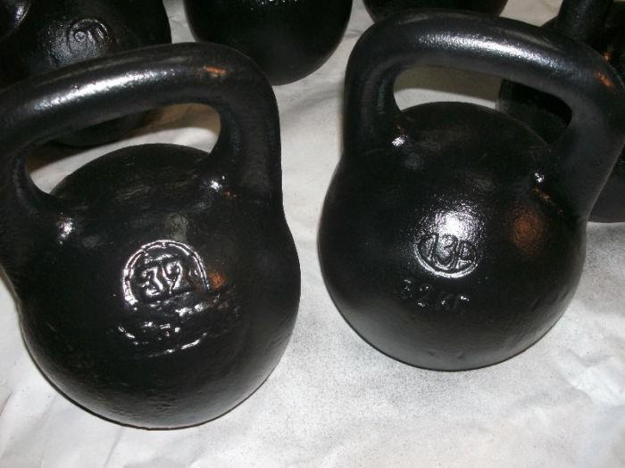 Почему вес гирь для упражнений от 16 до 32 кг (5 фото)