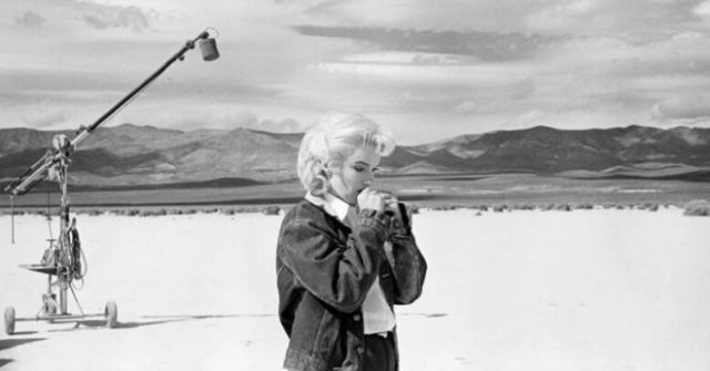 Мерилин Монро на съемках своего последнего фильма (13 фото)