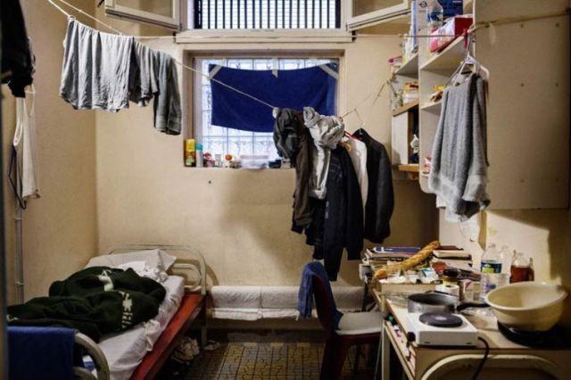 Внутри французских тюрем (10 фото)