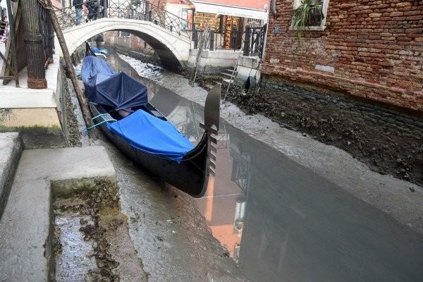 Последствия рекордных наводнений в Венеции (15 фото)