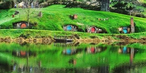 Прогулка по настоящему Хоббитону в Новой Зеландии (9 фото)