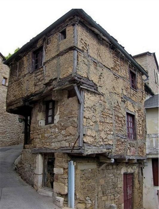 Как выглядят самые старые жилые дома (6 фото)