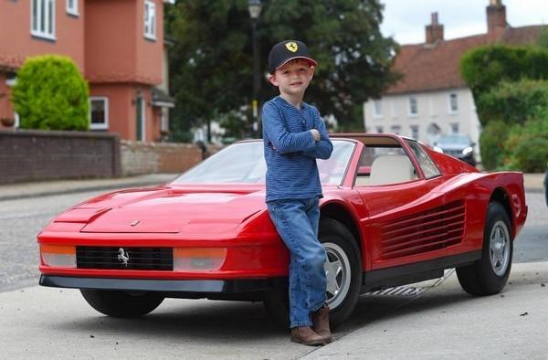 Самая дорогая детская игрушка: Ferrari 512 Testarossa за 97.000$(фото)