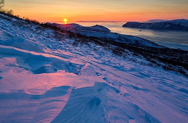 Причины появления разноцветного снега (5 фото)