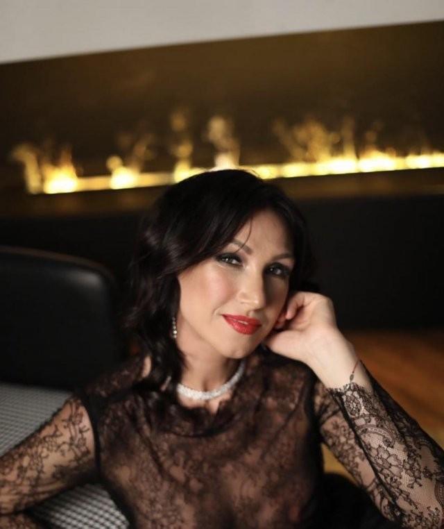 Врач из Петербурга стала «Миссис Вселенная Классик - 2020» (11 фото)