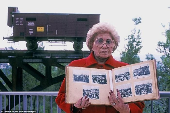 Цветные кадры Освенцима (9 фото)