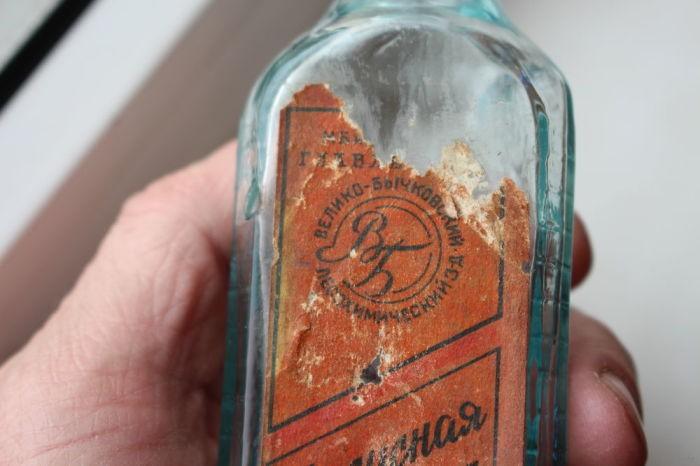 Зачем в СССР делали треугольные стеклянные бутылки (6 фото)