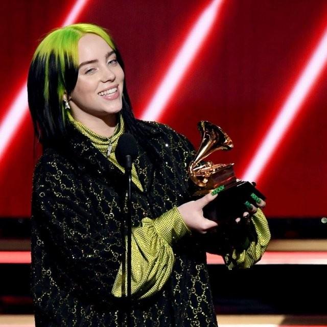 Триумфатором «Грэмми» стала 18-летняя певица Билли Айлиш (5 фото)