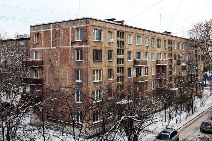 Почему на первых этажах хрущевок нет балконов (5 фото)