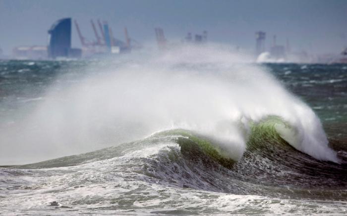 Мощный ураган «Глория» в Испании (18 фото)