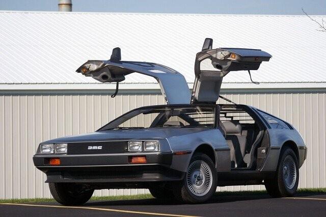 DeLorean возобновляет производство «Машины времени» DMC-12 (3 фото)