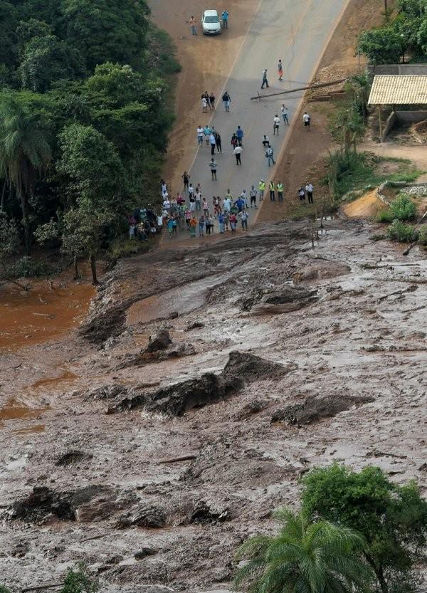 Последствия от аномальных ливней в Бразилии (11 фото)