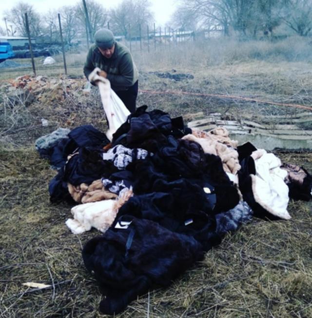 В Батайске показательно сожгли шубы стоимостью в 2 млн рублей (фото)