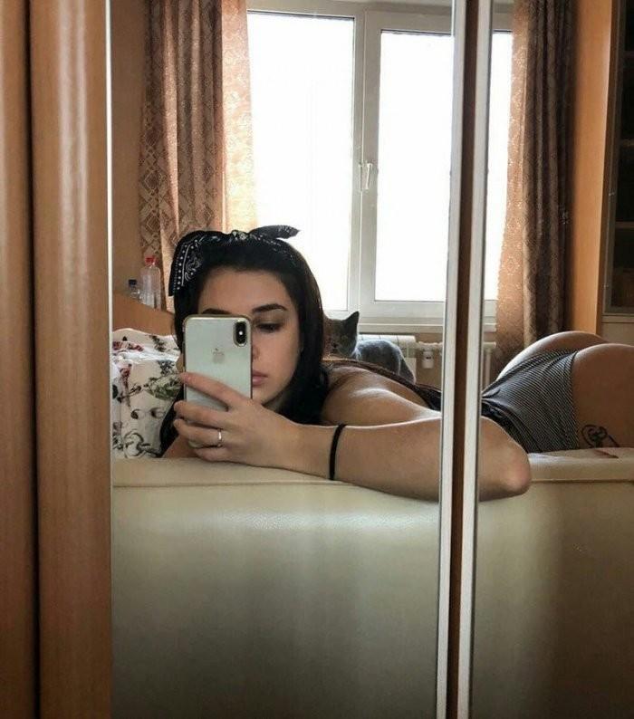 Девушки из социальных сетей (17 фото)