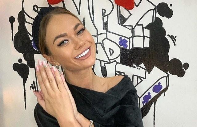 Звезда канала ТНТ Яна Кошкина показала себя без макияжа (11 фото)