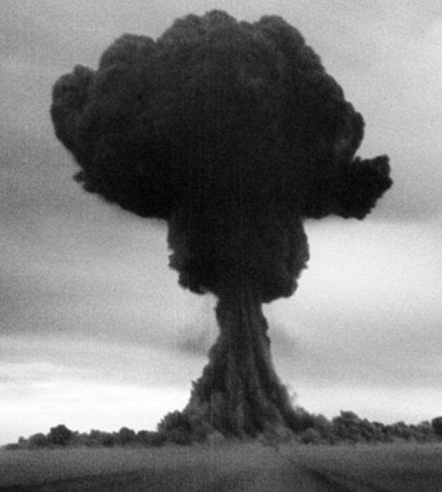Роль советских разведчиков в создании ядерной бомбы в СССР (9 фото)