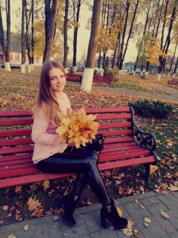 Красивые девушки из социальных сетей (49 фото)