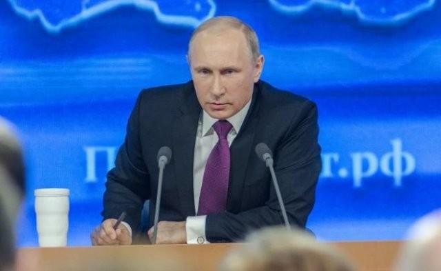 У посетителей Путина начали измерять температуру из-за эпидемии (фото)