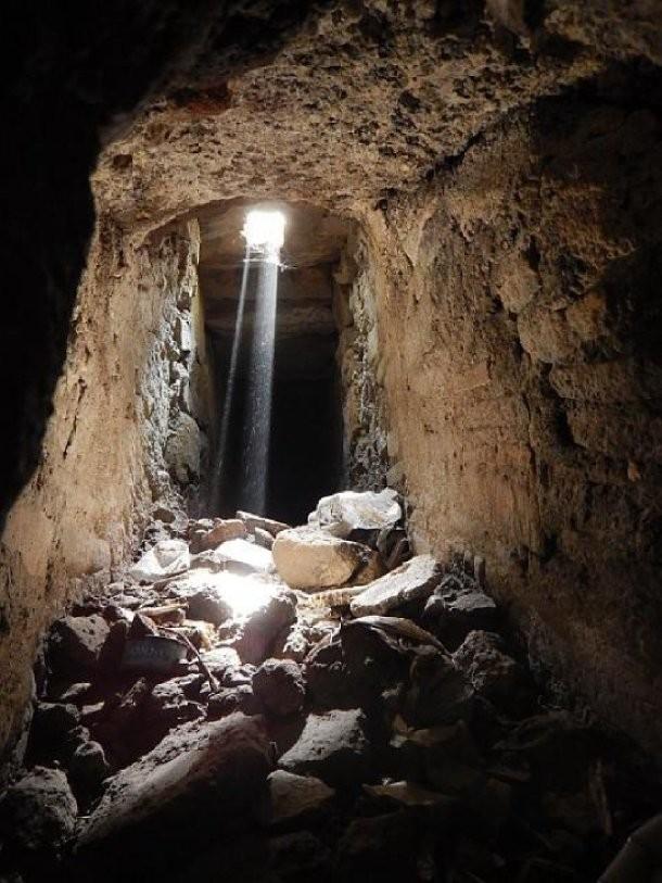Под Помпеями нашли сеть древних тоннелей (8 фото)