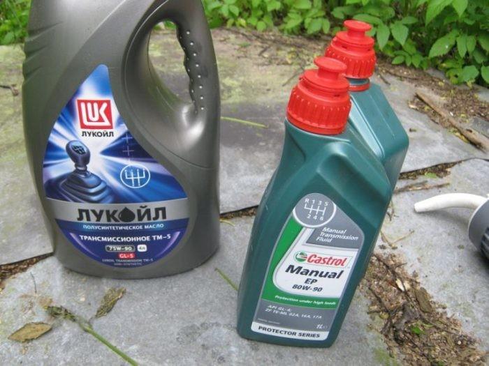 5 веществ, которые автомобилисты забывают менять в машине (5 фото)