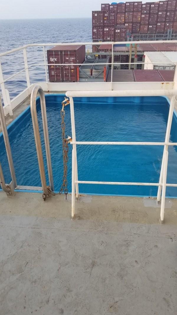 Моряк-блогер показал, как выглядит современное судно изнутри (11 фото)
