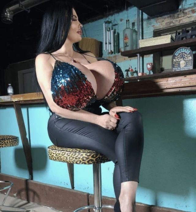 Фокси Менаджер - 42-летняя дама, которая захотела изменится (10 фото)