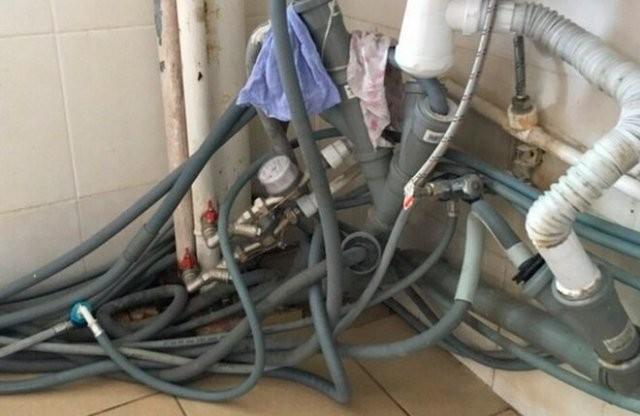 Работы горе-строителей, которых нельзя подпускать к ремонту (15 фото)