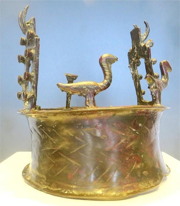 История самой древней в мире короны (8 фото)