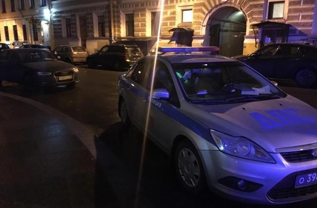 Погоня в центре Петербурга попала на камеры (2 фото)