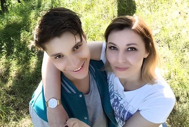 Мать Влада Бахова рассказала о результатах экспертизы (2 фото)