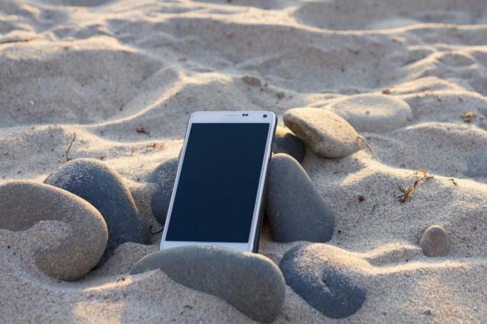 Как не испортить зрение, пользуясь смартфоном (7 фото)