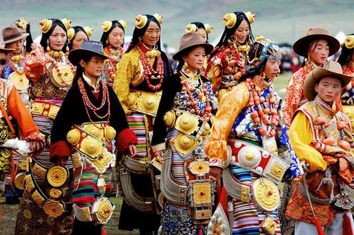 Этнические украшения женщин из разных стран мира (6 фото)