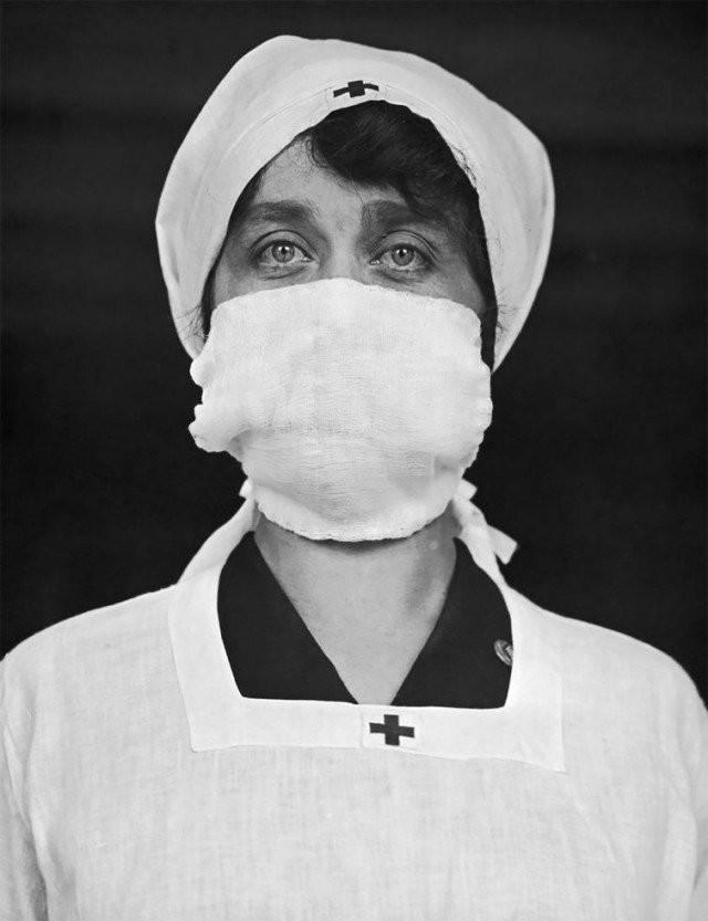 Фотографии времен пандемии смертоносной «испанки» (15 фото)