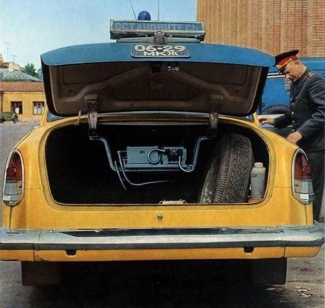 Машины советской милиции (15 фото)