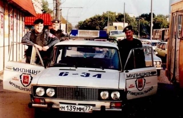 Атмосферные и интересные фотографии из 1990-х (15 фото)