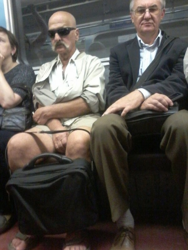 Модные и странные люди из метро (30 фото)