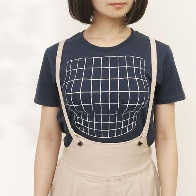 Японцы придумали футболку с оптической иллюзией (3 фото)
