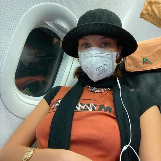 Как знаменитости спасаются от коронавируса? (14 фото)