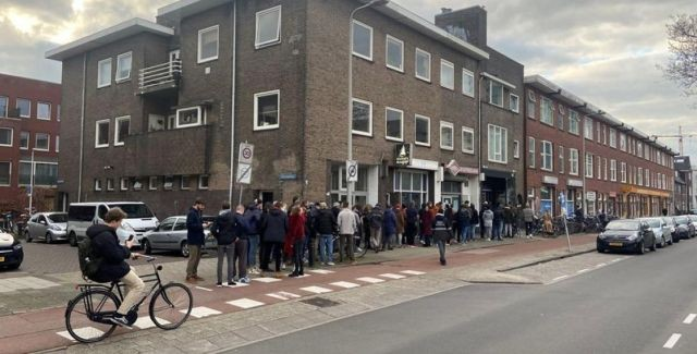 Чем запасаются голландцы в разгар пандемии коронавируса (4 фото)