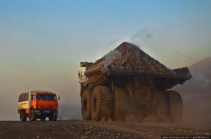 Самый большой автомобиль в СНГ (28 фото)