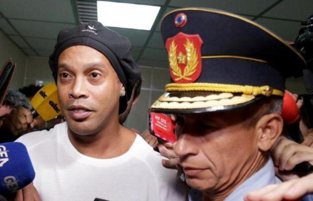 Роналдиньо посадили в тюрьму Парагвая: как живется футболисту (3 фото)