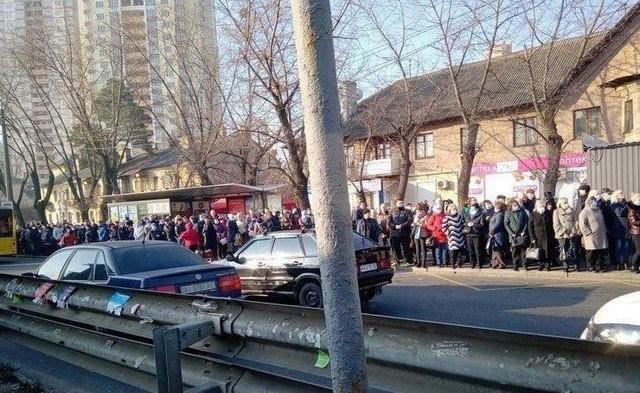 Как украинцы реагируют на ограничения общественного транспорта (2 фото)