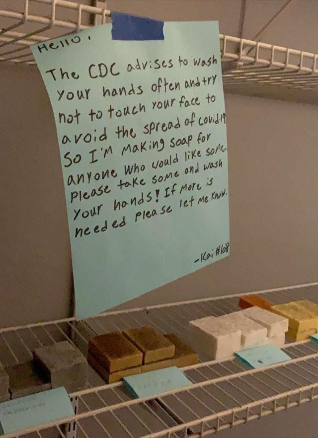 Борьба с коронавирусом, которая вышибет из вас слезу (8 фото)