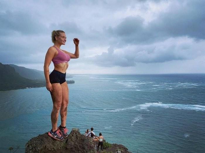 Девушки со спортивной фигурой (27 фото)